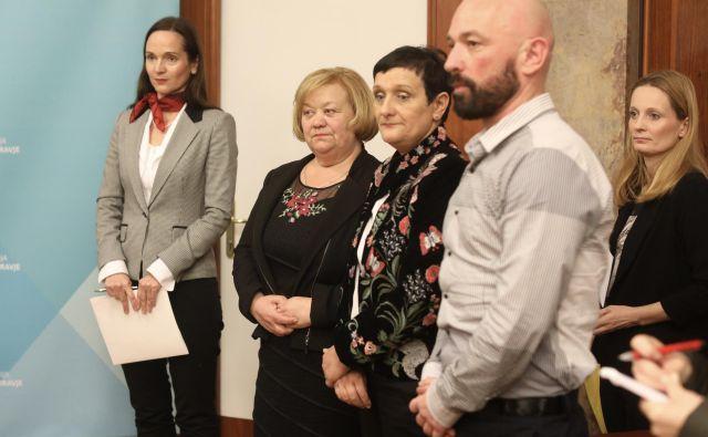 Sindikati in strokovna združenja postavljajo fronto proti zdravstvenemu ministrstvu. FOTO: Voranc Vogel/Delo