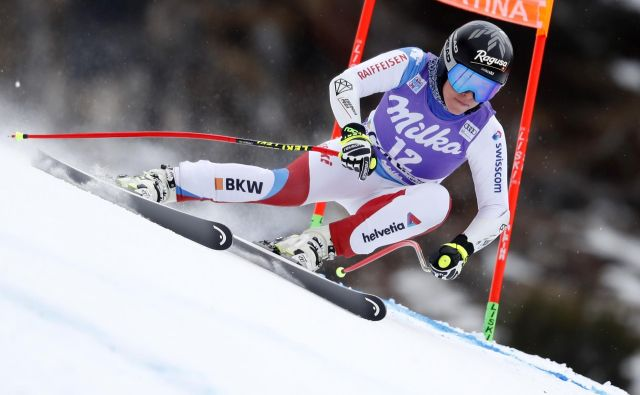 Lara Gut-Behrami se je poškodovala v zadnjih izdihljajih sezone. FOTO: Matej Družnik/Delo
