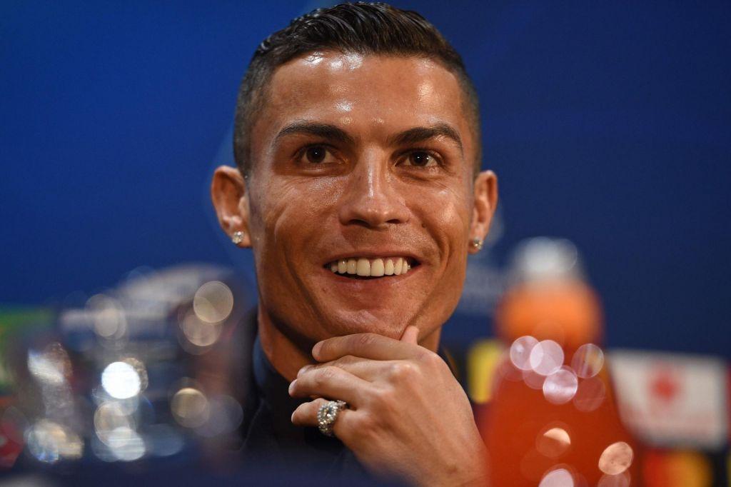 FOTO:Cristiano Ronaldo brez milosti nad Jana Oblaka