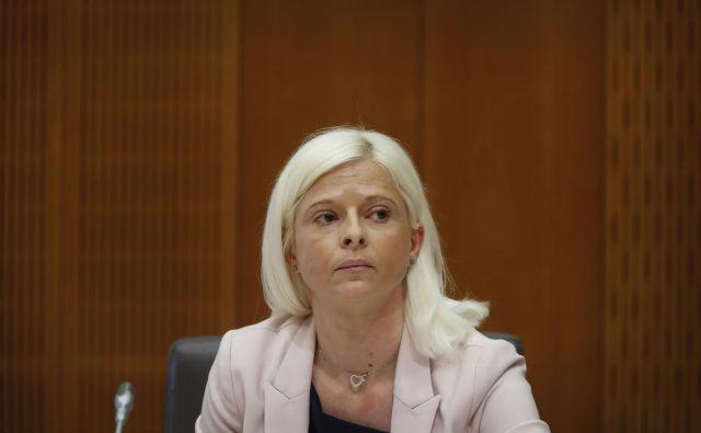 Ministrica Ksenija Klampfer bo v sredo javnosti predstavila ukrepe na področju pokojnin in trga dela. Foto Leon Vidic/delo