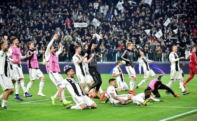 Veliki CR7, izjemni Juventus, je na spletni strani med drugim pospremil čudež v Torinu največji športni dnevnik v Italiji La Gazzetta Dello Sport. FOTO: R Reuters