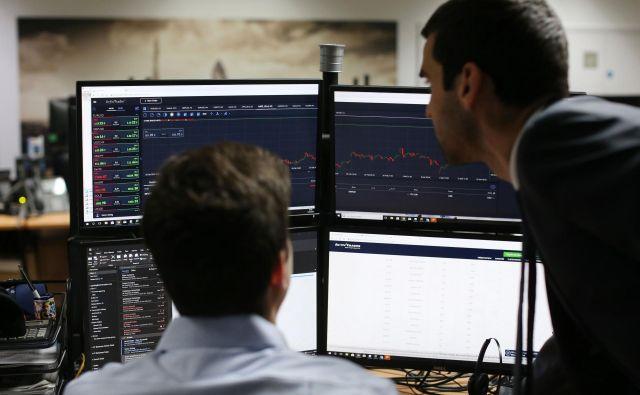 Po tednu velikih nihanj se je tečaj britanskega funta stabiliziral.<br /> FOTO: AFP