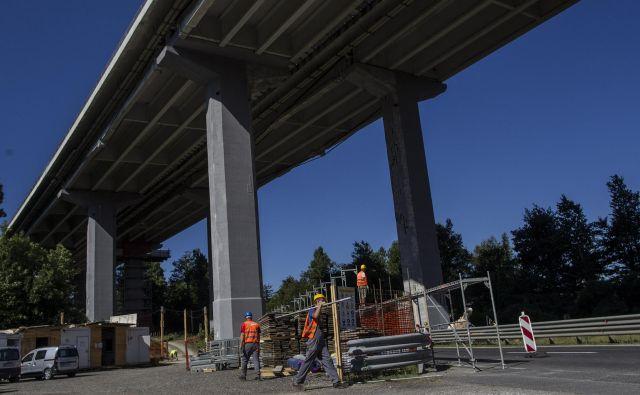 Pred kratkim so za velike denarje – verjamem, da zelo dobro – obnovili naš največji avtocestni viadukt Ravbarkomanda FOTO Voranc Vogel