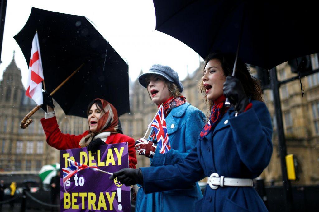 Brexit se spreminja v dramo vseh dram