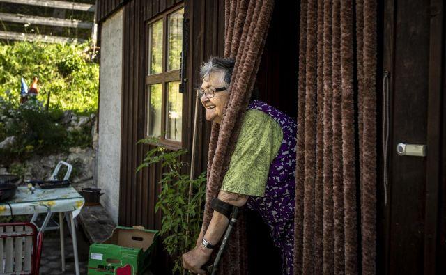 Ideja dolgotrajne oskrbe je, da bi ljudje lahko čim dlje živeli doma, kjer se počutijo najbolj varne. Foto Voranc Vogel