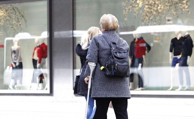 Upokojenci bodo lahko po predlogu delali in hkrati prejemali celotno pokojnino, vendar le pod določenimi pogoji. FOTO:Mavric Pivk/Delo