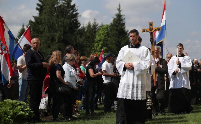 Zaradi prepovedi maše na Libuškem polju je Tomislav Karamarko pozval oblast, naj en dan v maju razglasi za dan nacionalne žalosti in spomina na nedolžne žrtve v Pliberku. FOTO: Lisi Niesner/Reuters