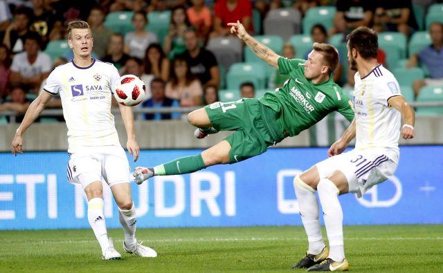 Eden od dveh Mariborčanov v Olimpijinem dresu Matic Črnic je bil v prvem derbiju sezone »le« atraktiven. FOTO: Roman Šipić/Delo