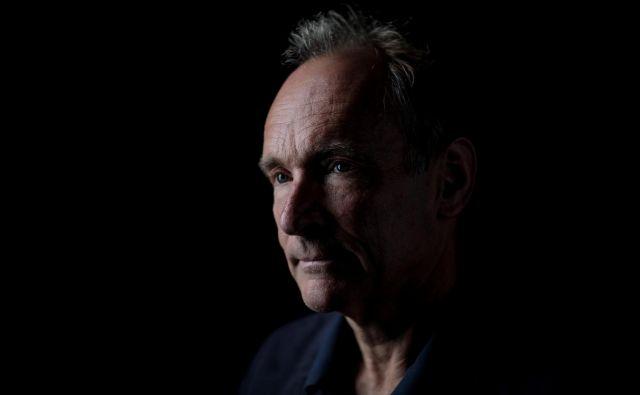 Oče svetovnega spleta Tim Berners-Lee je danes star 63 let in ima veliko pomislekov o prihodnosti svojega izuma. FOTO: Reuters