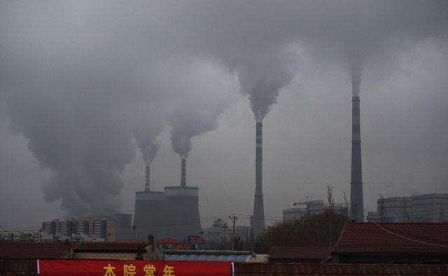Med največjimi proizvajalci toplogrednih plinov so termoelektrarne na premog, kakršna stoji v mestu Datong v provinci Shanxi na severu Kitajske. Foto AFP