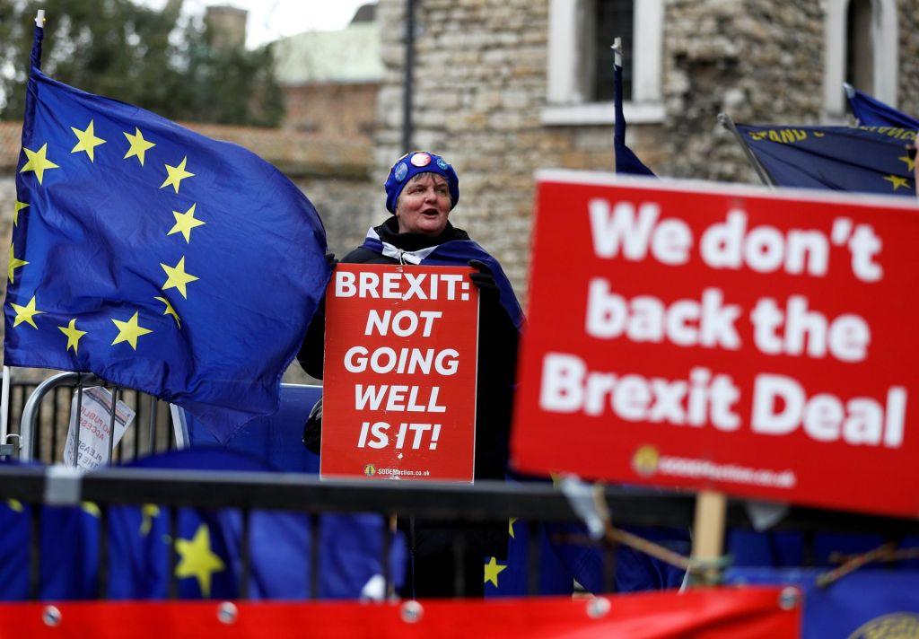 Britanska vlada dobila mandat za podaljšanje pogajanj