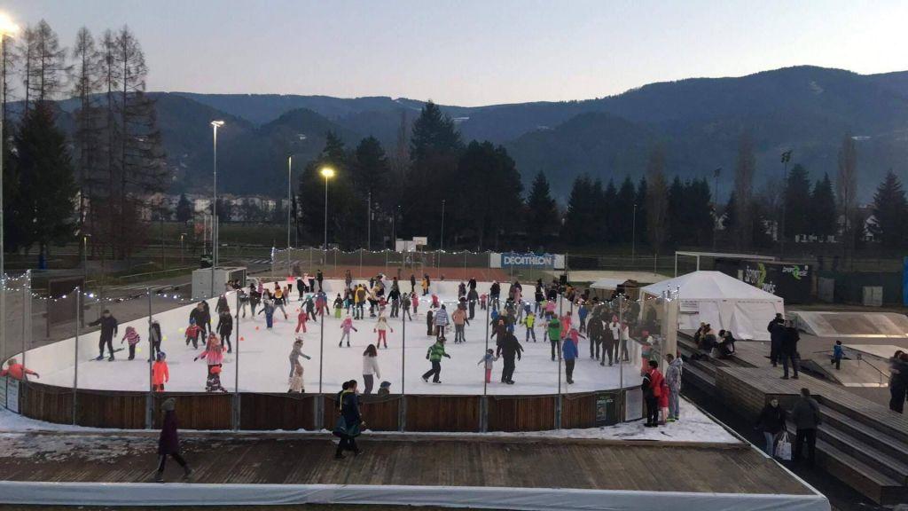 FOTO:Največje drsališče na Štajerskem je obiskalo 8000 drsalcev!