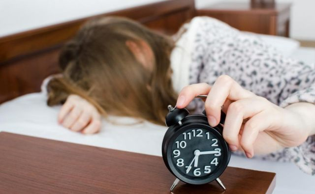Izredno pomembno je, da imamo ustaljen urnik, da se torej v posteljo odpravimo vsak dan ob enaki uri in spimo enako dolgo. FOTO:Shutterstock