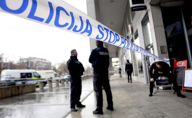 Kriminalisti sumijo, da je isti posameznik oktobra lani oropal tudi privatno skladišče v Limbušu. Fotografija je simbolična. FOTO: Roman �Šipić/Delo