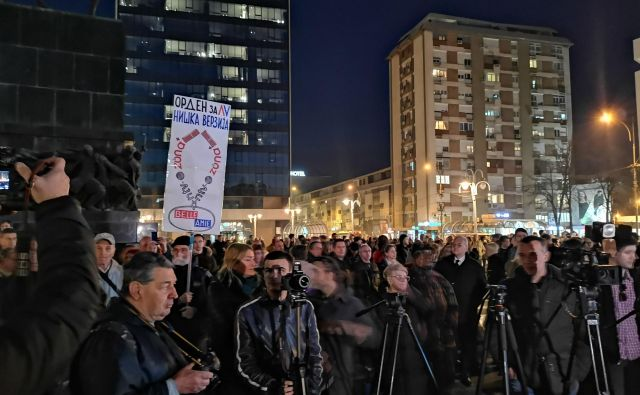 V Nišu so protestirali desetič zapored. FOTO: Milena Zupanič/Delo