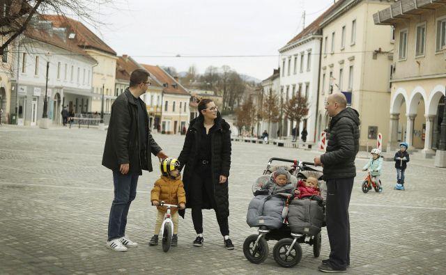 Novo mesto se je precej konkretno lotilo reševanja težav mladih. FOTO: Leon Vidic/Delo