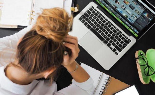 Stres po slovenski raziskavi CINDI pogosteje doživljajo ženske, bolj izobraženi, tisti na odgovornejših funkcijah in tisti v starostni skupini od 25 do 39 let. Foto: Pexels