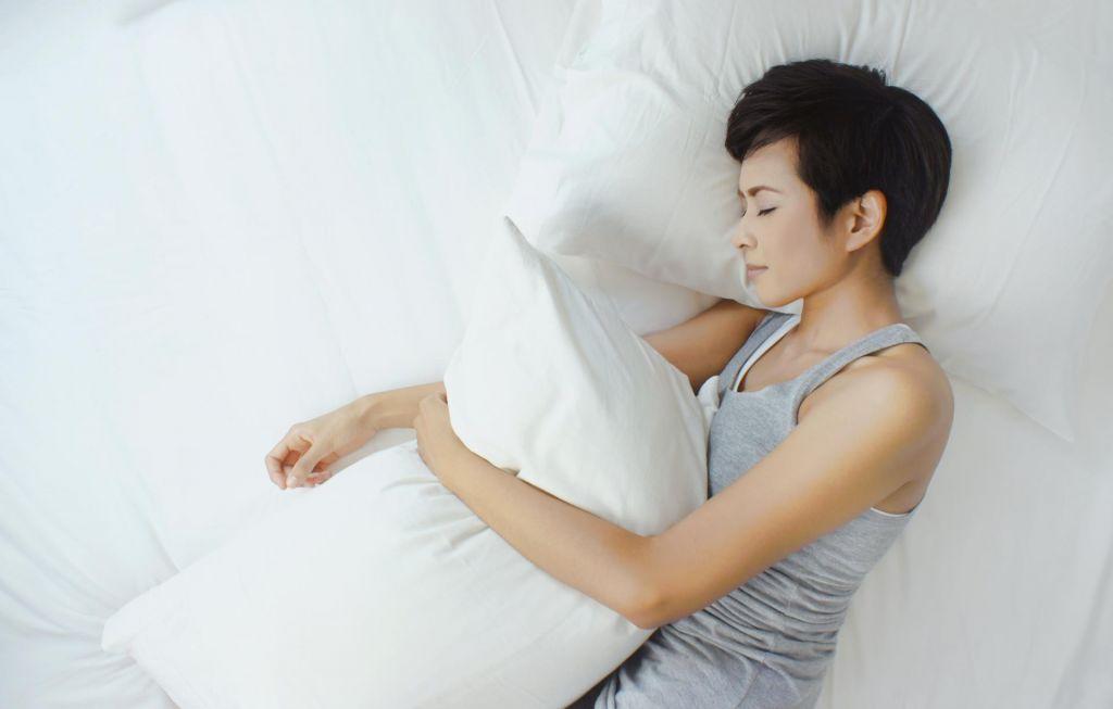 Zaspanost morda posledica preveč spanja