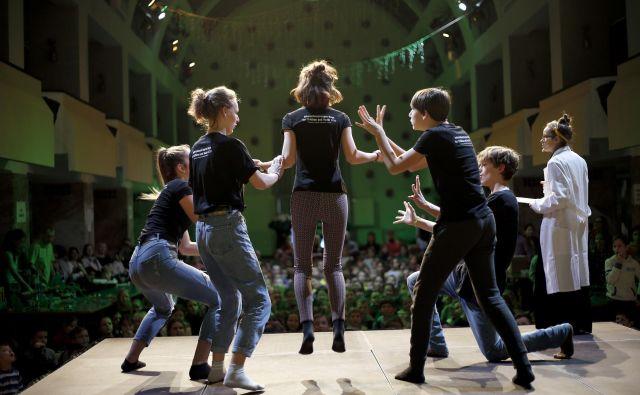 Festivalsko leto se je začelo z znanstvenim festivalom Hokus Pokus. FOTO Blaž Samec/Delo