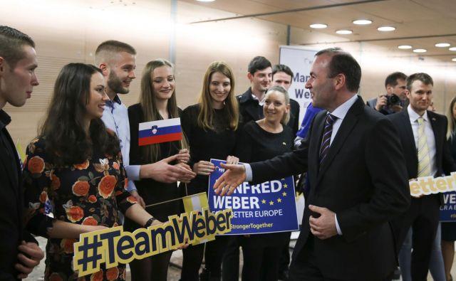 Weber je tudi v Ljubljani spomnil, da Fideszov napad na evropske institucije in EU za EPP ni sprejemljiv, saj so proevropska stranka, ki ne more sprejeti, da njena članica vodi kampanjo proti EU. FOTO: Jože Suhadolnik/Delo