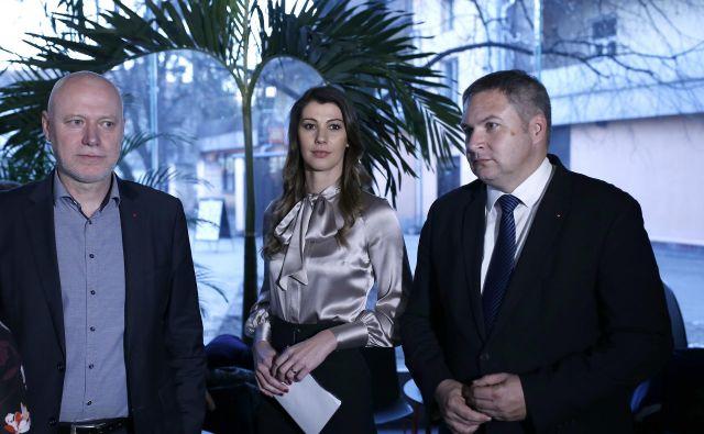 Med kandidati, ki bi lahko zamenjali Dejana Židana (desno) v vrhu SD, se najpogosteje omenja Milan Brglez. FOTO: Blaž Samec/Delo
