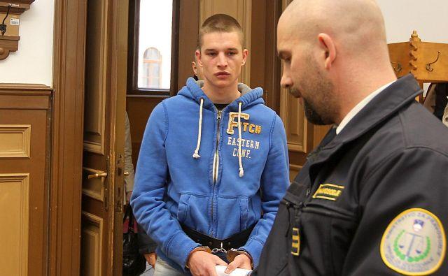 Klemen Rajnar pred sedmimi leti, ko je bil obsojen zaradi streljanja po Šiški. FOTO: Ljubo Vukelić