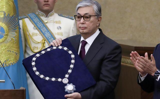 Dosedanji predsednik senata Kasim-Žomart Tokajev bo vodil Kazahstan do predsedniških volitev prihodnje leto. FOTO: Mukhtar Kholdorbekov/Reuters