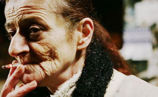 Nagrajeni dokumentarec pripoveduje o Madžarki Mariš, ki brez plačila dela kot hišna pomočnica, sodobna sužnja. FOTO: promocijsko gradivo