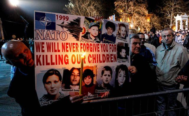 Natovo bombardiranje ZRJ je bila predstavljeno kot prva velika vojaška intervencija v korist zatiranih in človekovih pravic. FOTO: Sasa Djordjević/AFP