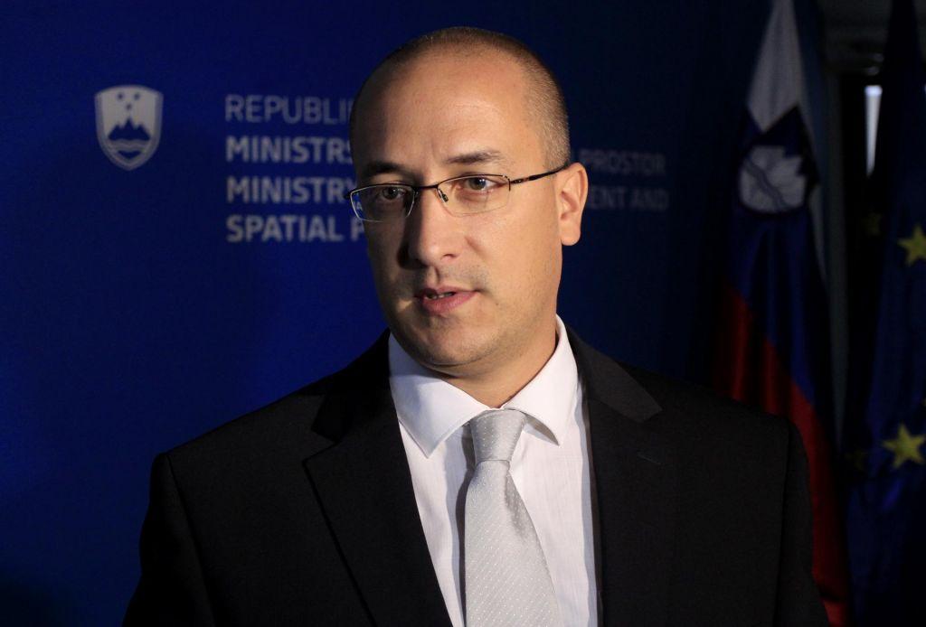 Jure Leben izstopil iz SMC, poslanci so se seznanili z njegovim in Fakinovim odstopom