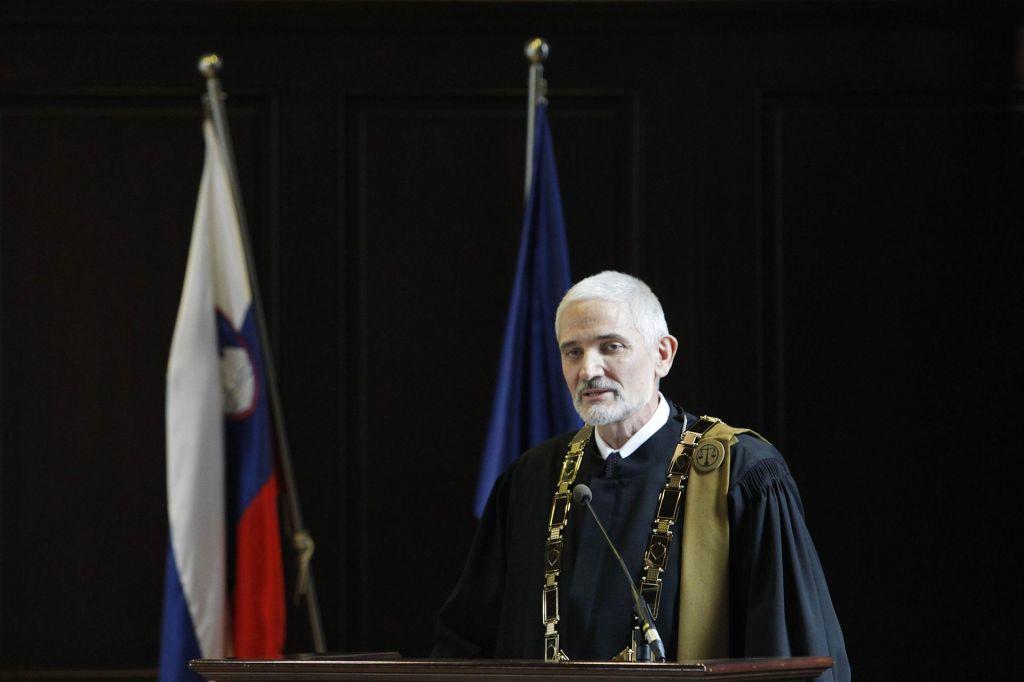 FOTO:Črna pika vrhovnega sodišča