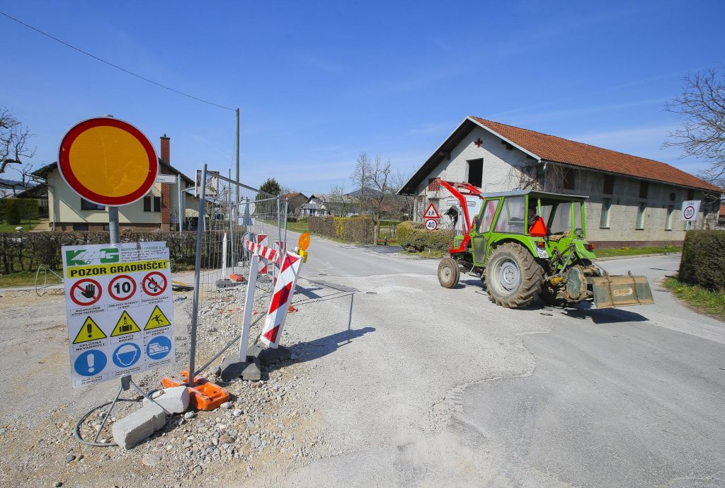 Gradbišče oživelo po dveh mesecih zatišja