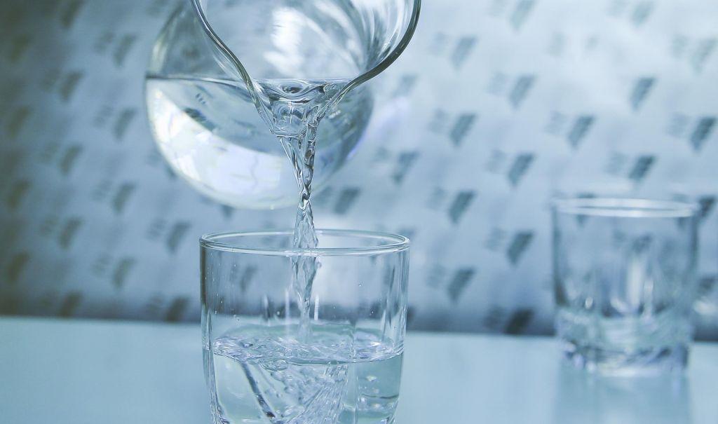 FOTO:Z vodo pijemo tudi strupe in fekalije