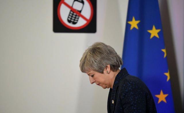 Britanska premierka Theresa May več kot očitno nima odgovorov na ključna vprašanja, ki jih poraja preložitev datuma izstopa. FOTO: Reuters