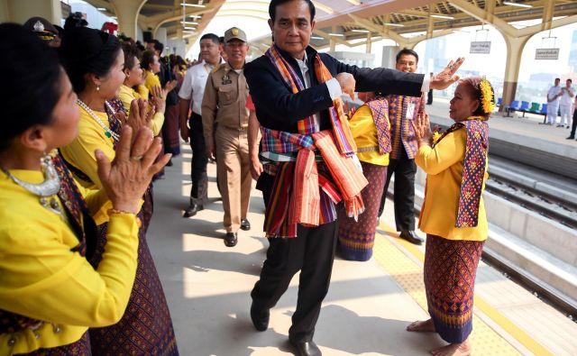Sedanji predsednik vlade Prajut Čanoča lahko pričakuje volitve brez volitev. FOTO: Reuters