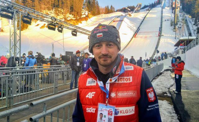 Adam Malysz je zadovoljen s svojo vlogo pri poljski smučarski zvezi, pri kateri opravlja vlogo športnega direktorja za skoke in nordijsko kombinacijo. FOTO: Miha Šimnovec