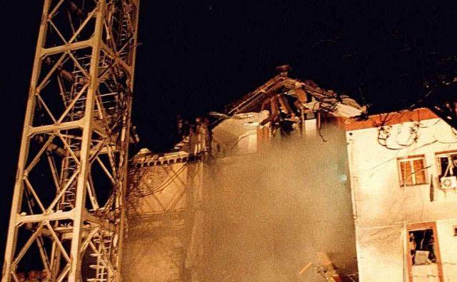 Natova letala so leta 1999 bombardirala in porušila tudi zgradbo srbske televizije. Foto/Epa