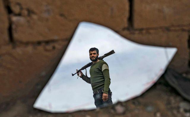Nobenega dvoma ni, da so v vojni z IS odločilno in glavno vlogo odigrali prav sirski Kurdi. FOTO: Delil Souleiman/AFP