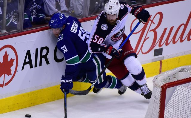 Hokejisti Vancouvra bodo nedeljsko tekmo želeli čim prej pozabiti. FOTO: Reuters