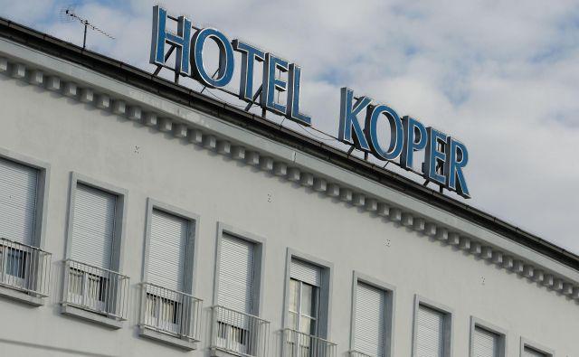 Hotel Koper bo aprila spet sprejel goste. Foto Leon Vidic