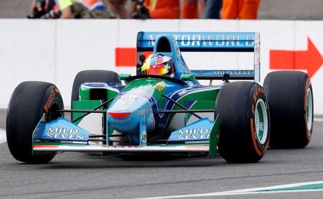 Mick Schumacher je preizkusil tudi očetov dirkalnik benetton B194. FOTO: Reuters
