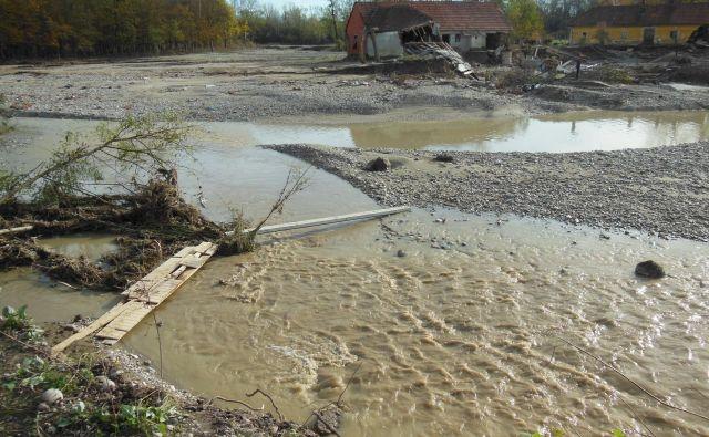 Poplave leta 2012. FOTO: Franc Milošič/Delo
