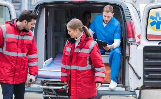 Direktorica pravi, da so ji trije zdravniki od šestih dali odpovedi zaradi preobremenjenosti in dvojnega delovišča, torej tudi dela v nujni medicinski pomoči. Zanika, da naj bi bili večja težava odnosi med zaposlenimi. FOTO: ZD Nazarje
