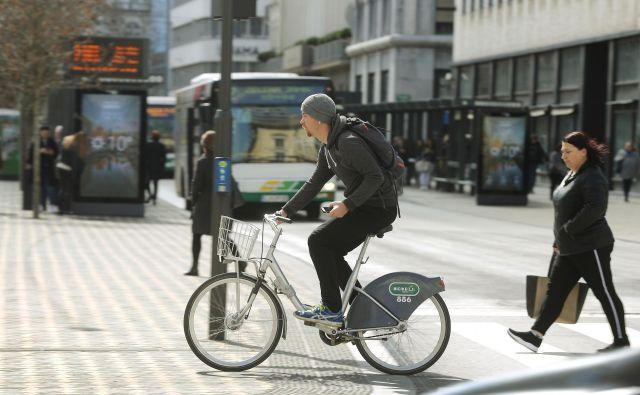 Ljubljana je z novimi rešitvami in tehnologijami že močno spremenila prometni utrip in navade ljudi. FOTO: Leon Vidic/Delo