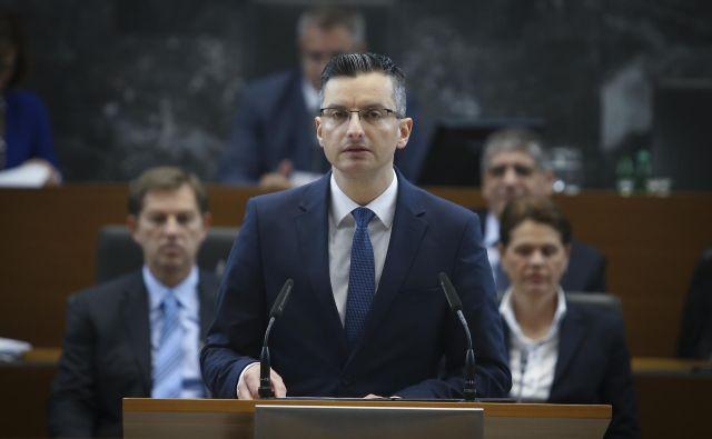 Premier Marjan Šarec je predstavil oba kandidata za ministra. FOTO: Jože Suhadolnik/Delo