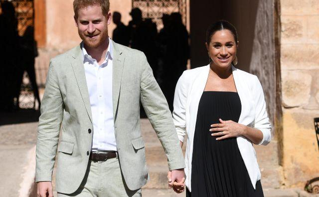 Vojvoda in vojvodinja suseška naj bi del svojih stvari že spakirala, vendar jih v hišo še niso prepeljali. FOTO: Facundo Arrizabalaga, Reuters