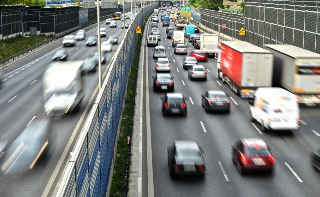 Vožnja po desni strani danes po svetu prevladuje, tudi v Evropi. FOTO: Shutterstock