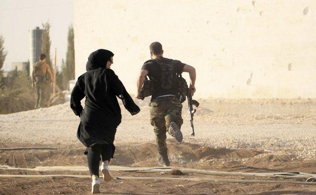 Sirijo je med vojno zapustilo okoli šest milijonov ljudi, kar je slaba tretjina prebivalstva. FOTO: Reuters