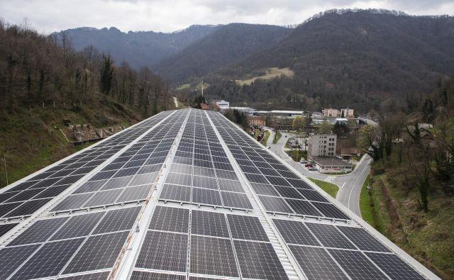 Steklarna Hrastnik ima novo sončno elektrarno. Foto Bor Slana