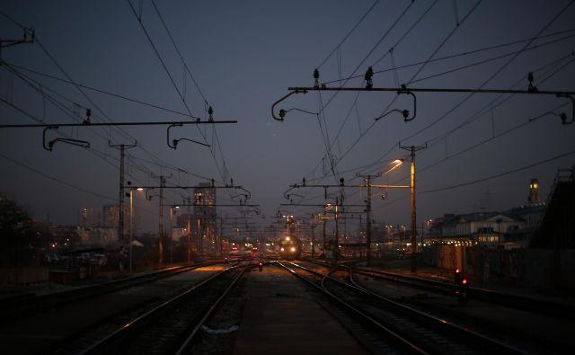 Mehanizem mešanega financiranja bo usmerjen zlasti v uvajanje evropskega sistema za upravljanje železniškega prometa. FOTO: Jure Eržen/Delo